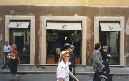 Luis Vuitton store